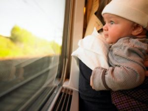 A cet âge, les bébés sont encore fragiles, notamment au niveau de leur  système digestif et celui respiratoire. Aussi, la première précaution, ... b90c2f5833b